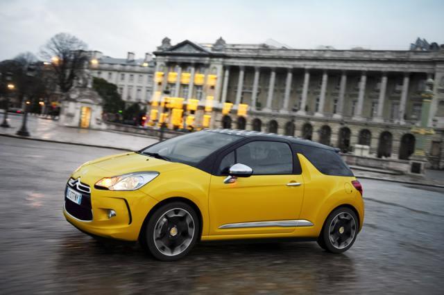 Žltá DS3 s tmavou strechou