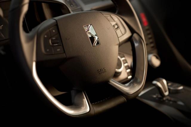 DS5 - interiér | volant