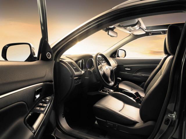 Citroen C4 Aircross | interiér - predná časť
