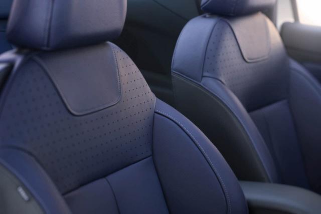 DS3 Cabrio interier - sedadlá