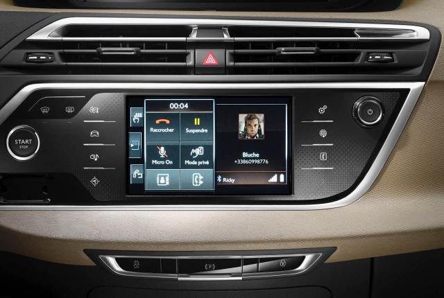 New C4 Picasso - display